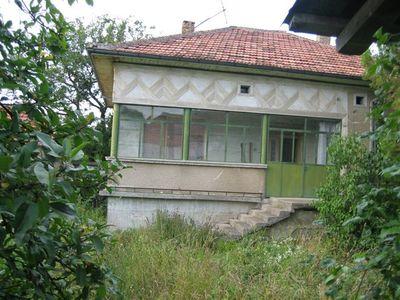Едноетажна къща