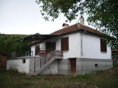 Хубава селска къща